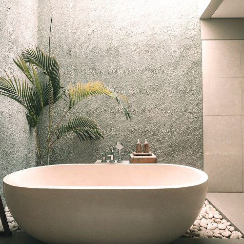 elegant bath tub